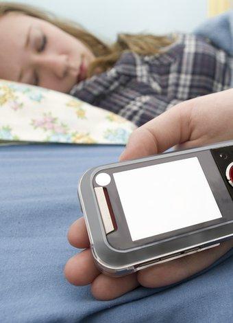 Ayrılmak isteyen erkekler nasıl davranır? uyku telefon 2