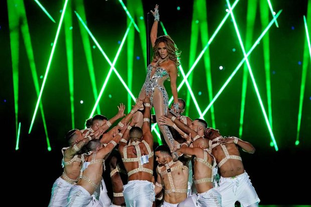 54. Super Bowl'da Jennifer Lopez