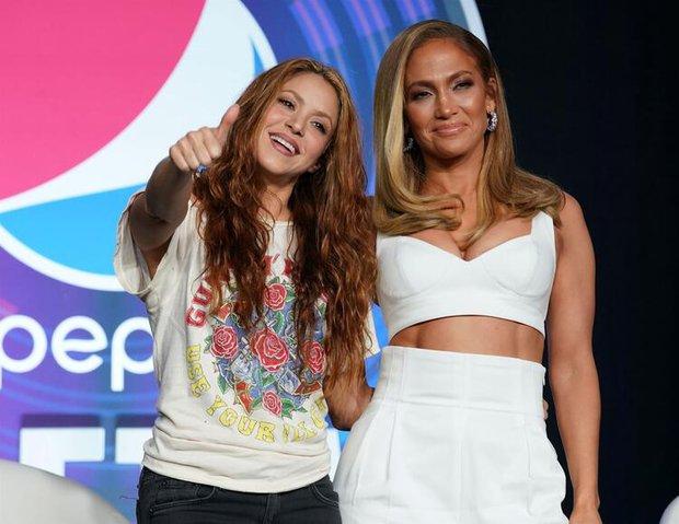 Jennifer Lopez Shakira basın toplantısı