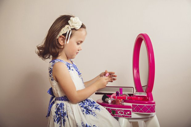 Makyaj kız çocukları için tehlikeli!