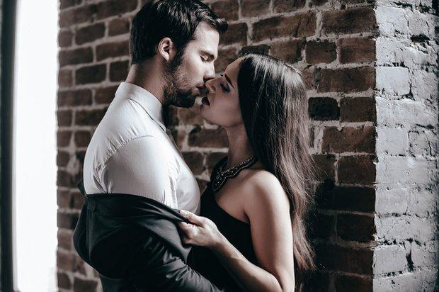 erotik konuşma