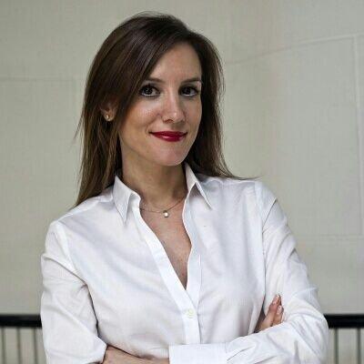 Psikiyatrist ve Psikoterapist Dr. Ayça Can Uz