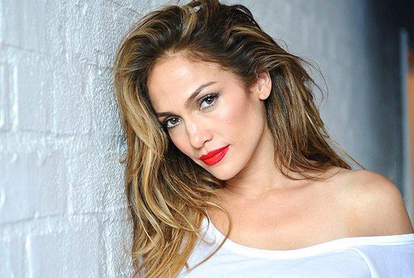 Aslan burcu kadını Jennifer Lopez