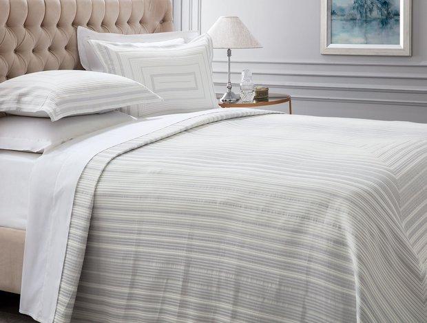 Yumuşak gri yatak örtüsü madame coco