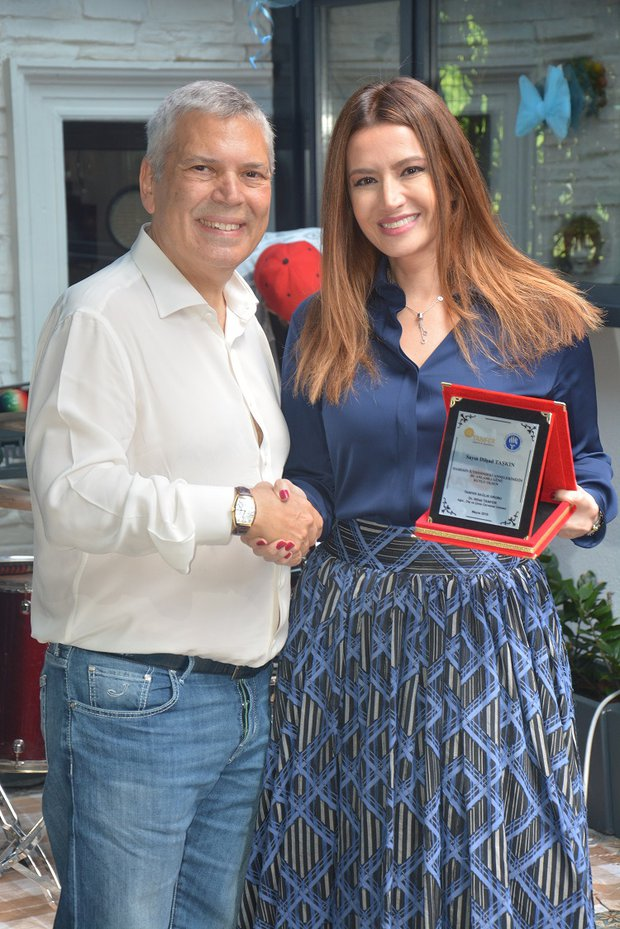 Dr. Nihat Tanfer ve Ece Özbek