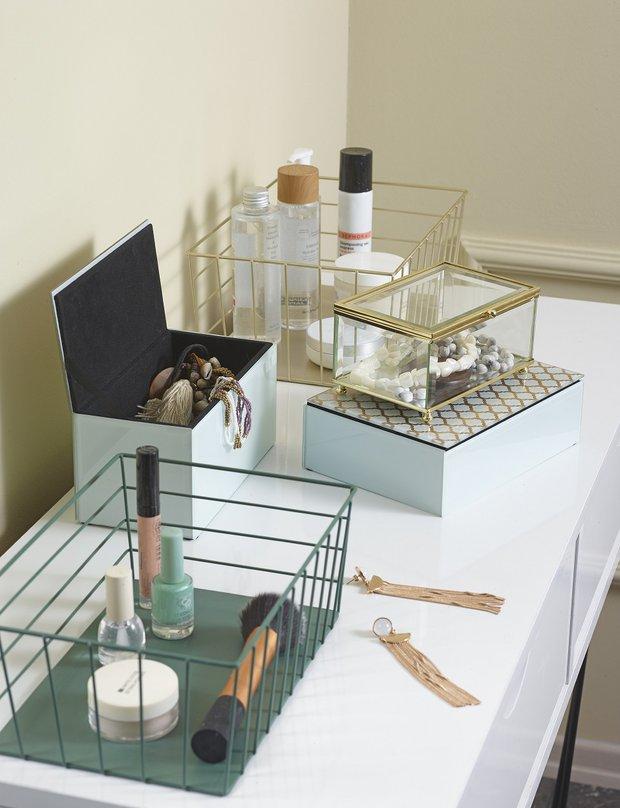 Makyaj masası düzenleme