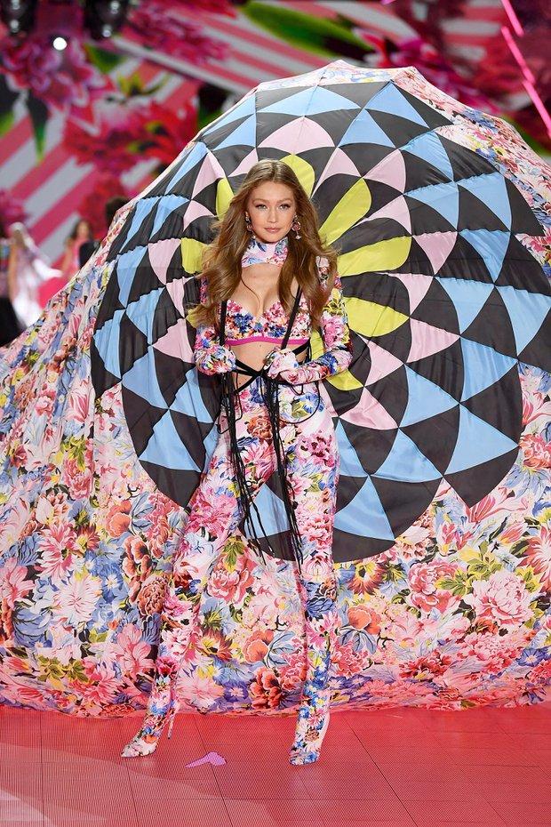 2018 Victoria's Secret - Gigi Hadid