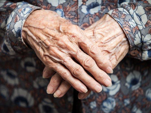 Yaşlılık ve el titremesi
