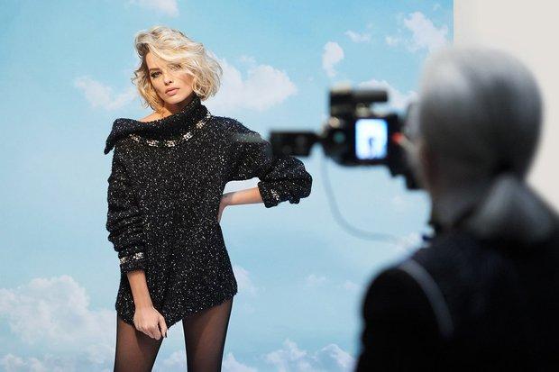 Margot Robbie & Karl Lagerfeld