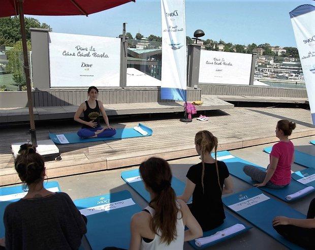 yoga dove