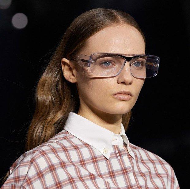 Burberry 2020 gözlük koleksiyonu