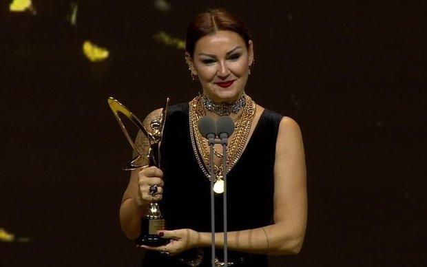 En İyi Komedi Dizisi Kadın Oyuncu: Pınar Altuğ