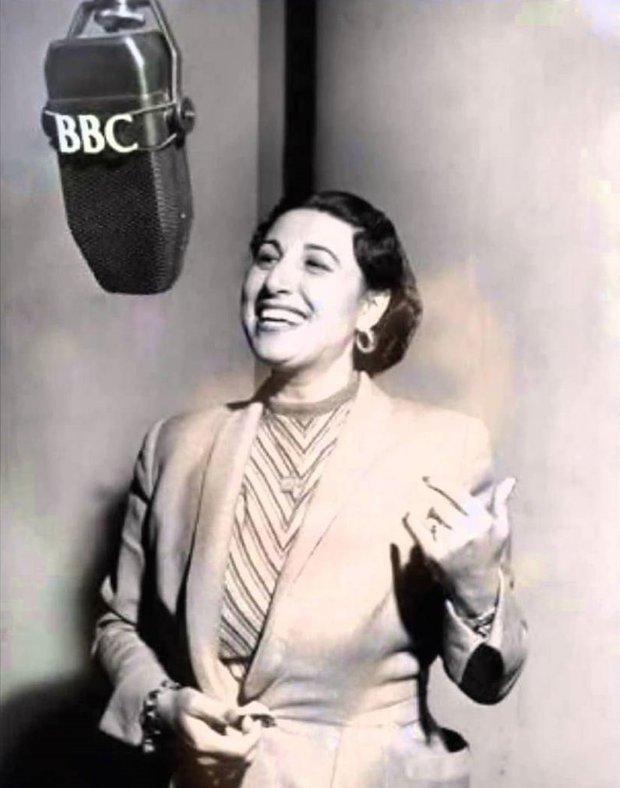 Müzeyyen Senar BBC radyosu'nda