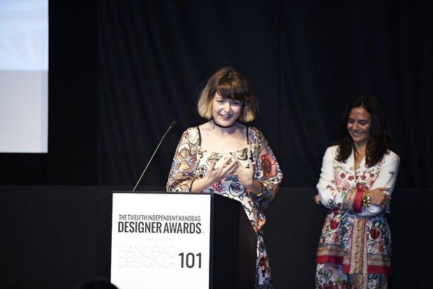 Gizem Yücelen çanta tasarımı ile Amerika'dan ödül aldı