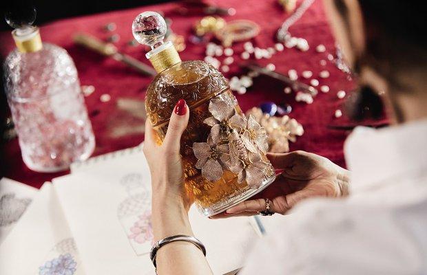 begum-khan-x-guerlain-the-bee-bottle-