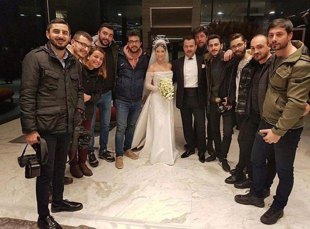 Hazal Kaya basından dostlarıyla