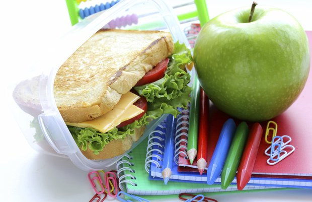 508302697 thinkstock beslenme saglik okul cocuk elma sandvic
