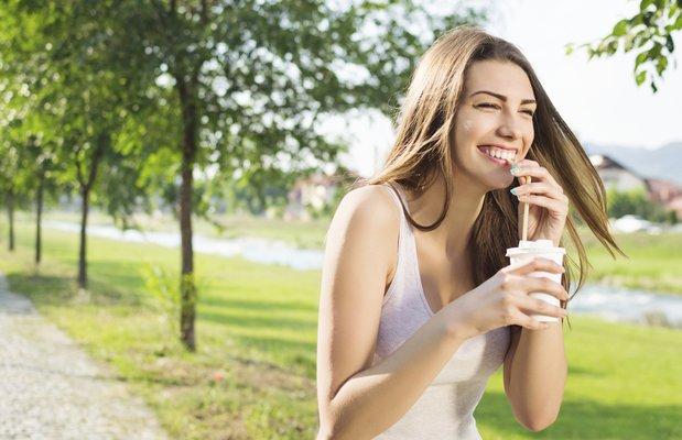 Doğal diş beyazlatma nasıl yapılır?