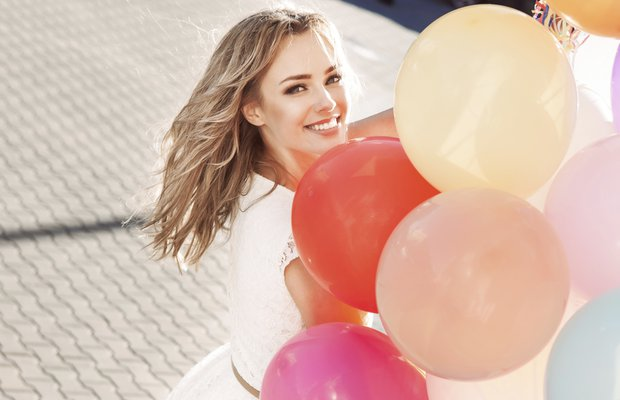 images mutlu kadin balon mutluluk