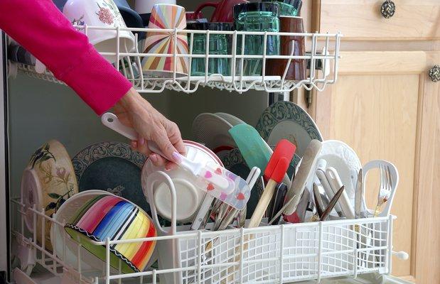 Hangi mutfak eşyaları bulaşık makinasında yıkanmaz?