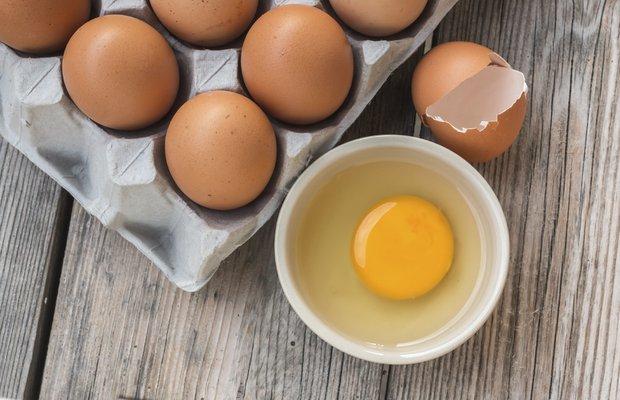 Çiğ yumurta maskesi cilde zararlı mı?