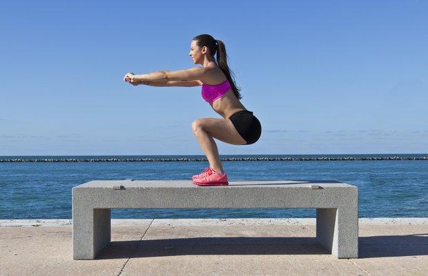 Bacak ve popo sıkılaştıran 30 günlük squat programı