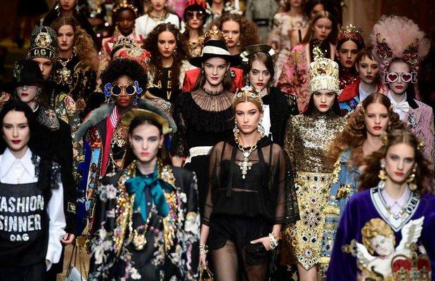 Milano Moda Haftası'nda Dolce&Gabbana şovu