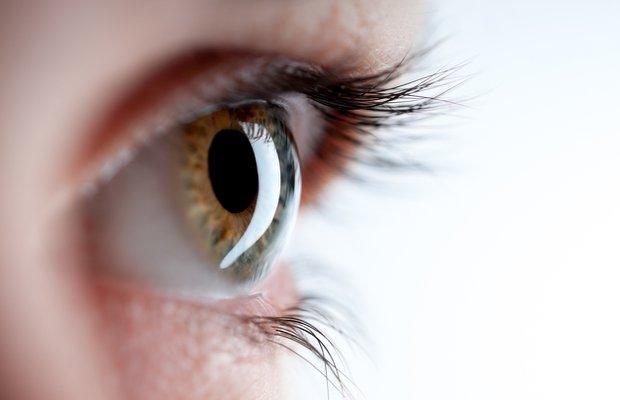 Göz hastalıkları kendini nasıl belli ediyor?