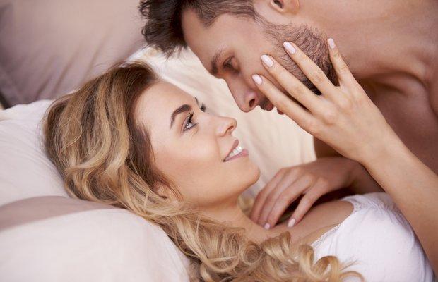 ask cinsellik iliski yatak cift mutlu