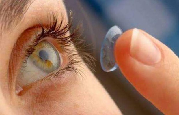 Kontakt lens nasıl takılır ve nasıl çıkarılır? Lens bakımı nasıl yapılır?