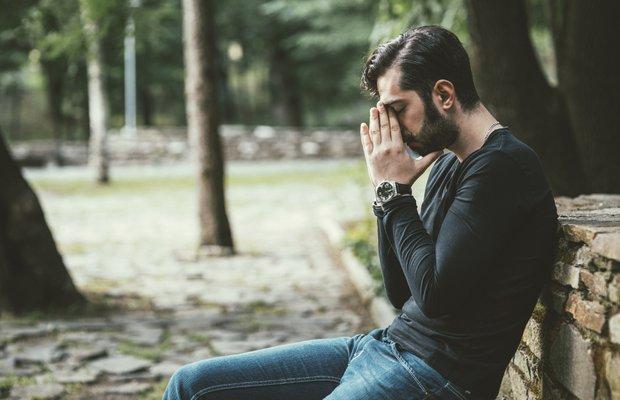 Duygusal olarak ulaşılmaz bir erkekle mi birliktesiniz?