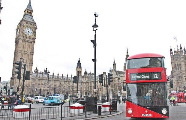 Alev Geziyor'un anne-kız Londra seyahati
