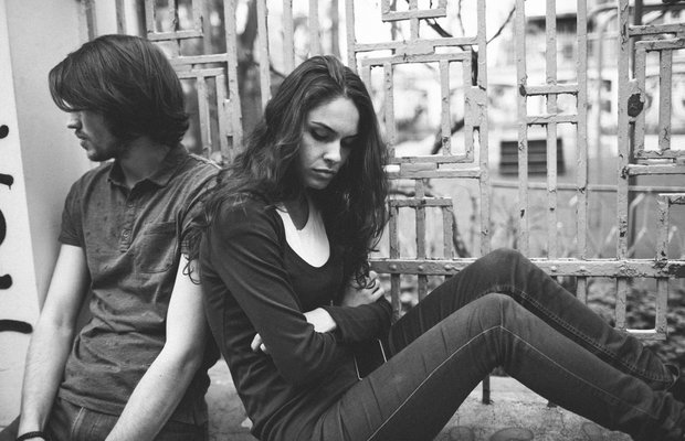 Erkeklere sorduk: Neden ciddi ilişkiden korkuyorlar?
