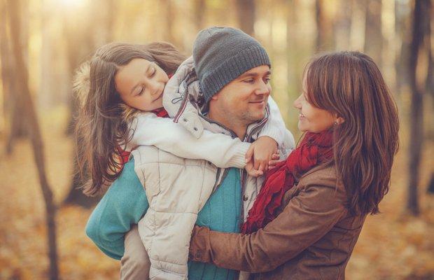 Çocuklarınızın önünde yapmanız gereken 5 şey