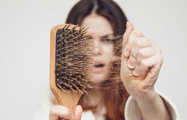 Hızlı kilo vermek saçlarınıza da zarar