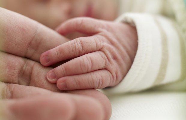 yenidogan bebek el dogum hastane saglik