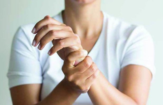 Karpal Tünel Sendromu nedenleri ve tedavisi