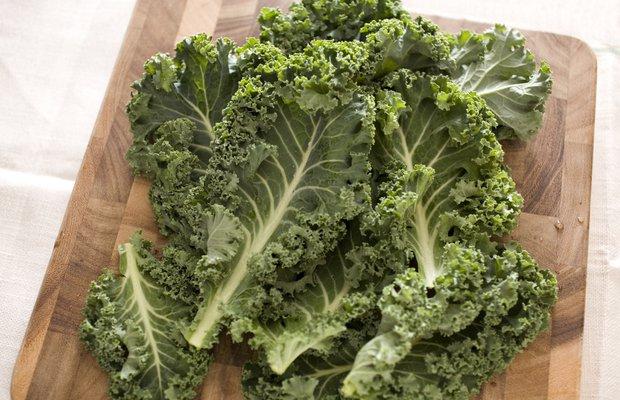 Kale bitkisi brokoliden faydalı mı?