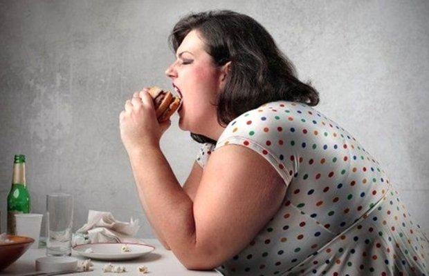 Stresli ve öfkeliyseniz yemekten uzak durun!