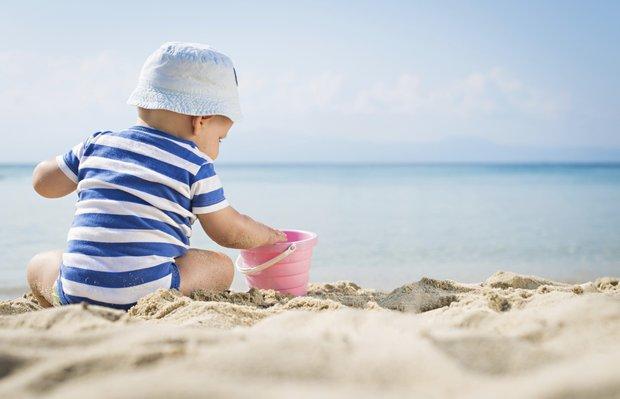 Bebeklere güneş kremi sürülür mü?