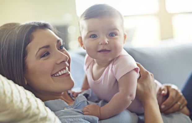 2 aylık bebeğin gelişimi