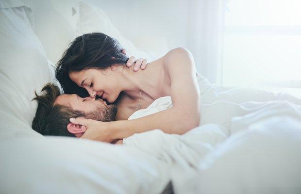 Hamile kalmak için gecede iki kez sevişin