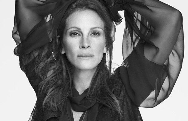 Julia Roberts Givenchy'nin yeni yüzü oldu