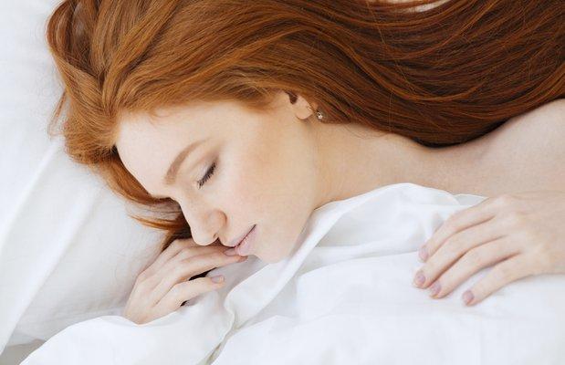 Sağlıklı saçlar için bırakmanız gereken gece alışkanlıkları