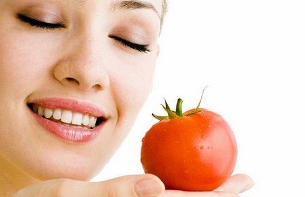 Deri yaşlanmasına karşı pişmiş domates tüketin