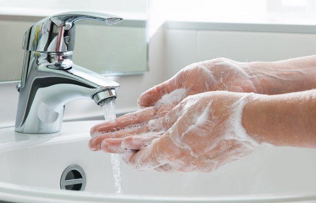 Corona virüse karşı el hijyeni için sabun seçimi