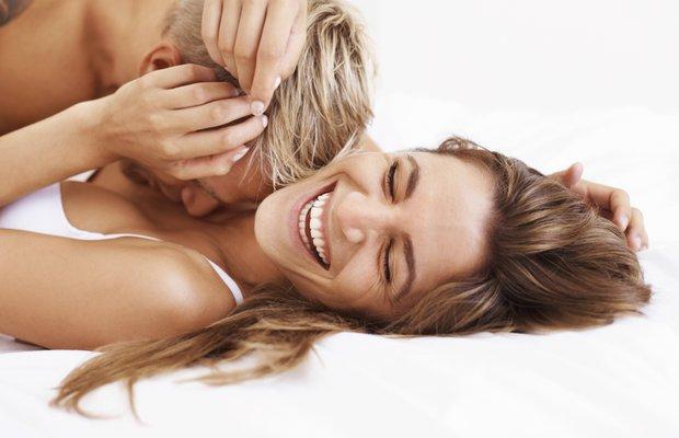 seks cinsel yasam cift yatak sevisme mutlu kadin