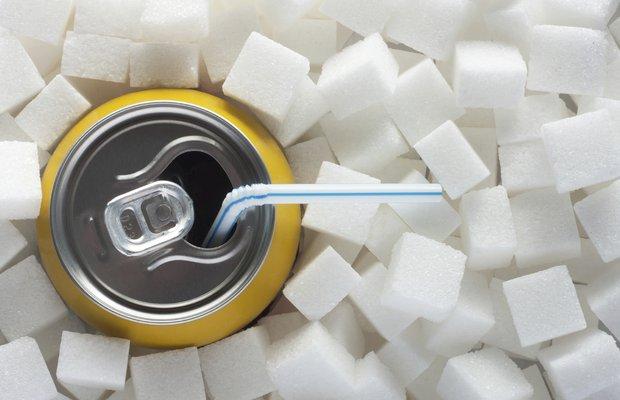 Şekerli içeceklere uyarı etiketi konulmalı mı?
