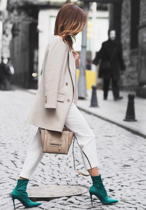 Beyaz giymek cesaret işidir