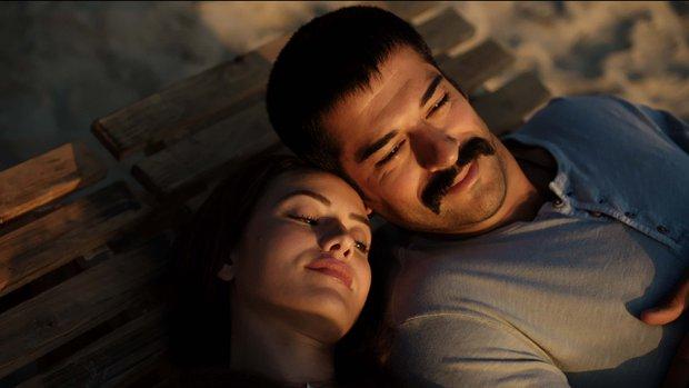 Yılın Aşk Filmi Aşk Sana Benzer 4 Pudra